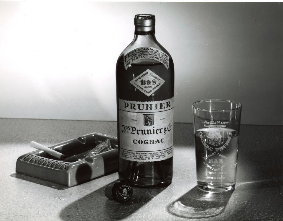 vintage-cognac-prunier-photo
